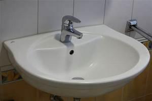 Waschbecken Aufsatz Für Badewanne : kreative waschbecken herausforderung im badezimmer ~ Markanthonyermac.com Haus und Dekorationen