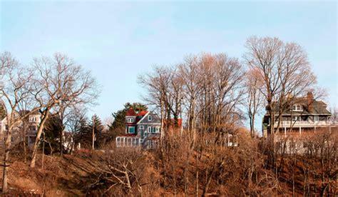 living  hastings  hudson  varied housing size