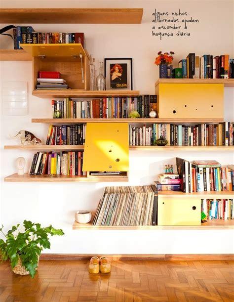 sonhar sofá livro estantes sala decora 231 227 o de estantes compensado