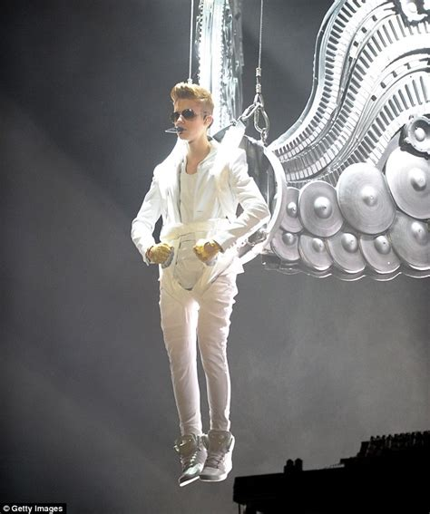 Justin Bieber reveals God urged him to change his life ...