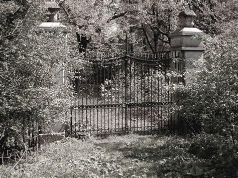 Das Tor Zum Geheimnisvollen Garten Foto & Bild
