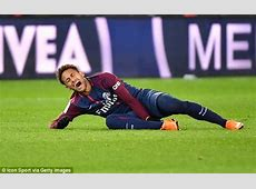 Neymar may miss Madrid clash after breaking metatarsal