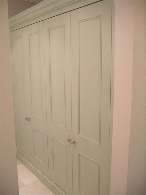 Built In Cupboard Doors by 1000 Ideas About Fitted Wardrobes On Wardrobe