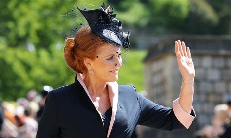 duchess  york sarah ferguson  chic  navy dress