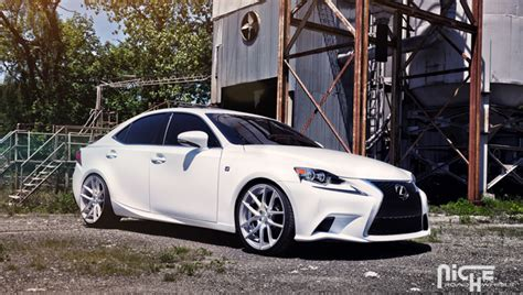 lexus   sport  niche targas wheel  tire package