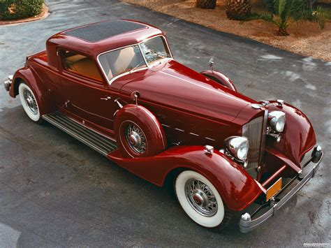The 1930's Super Luxurious Packard