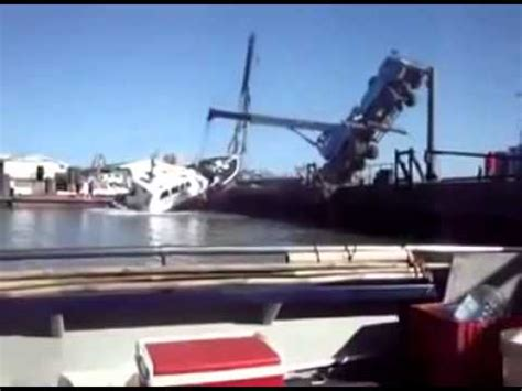 Sailboat Fails by Crane Fails To Lift Boat Then Collapse