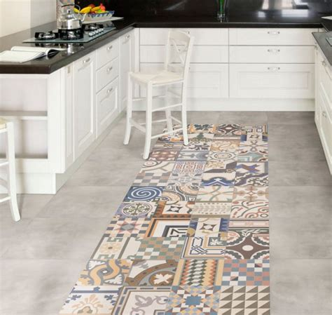 Floor And Tile Decor Santa by Mad About Patchwork