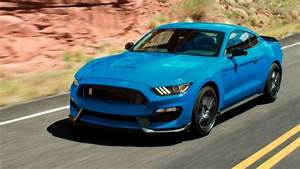 Ford to keep Mustang Shelby GT350 in production for 2018   Stuff.co.nz