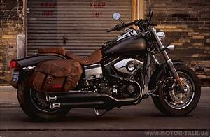Harley Fat Bob : 2011 harley davidson fxdf dyna fat bob pics specs and information ~ Medecine-chirurgie-esthetiques.com Avis de Voitures