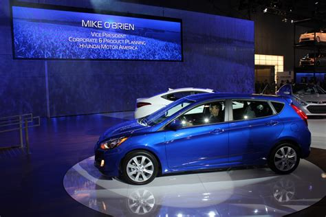 Hyundai Accent Fuel Economy by With An Accent On Fuel Economy Hyundai Updates The Subcompact