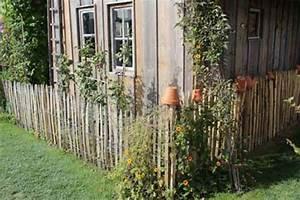 Kleiner Gartenzaun Holz : staketenzaun und kastanienzaun f r den bauerngarten ~ Bigdaddyawards.com Haus und Dekorationen