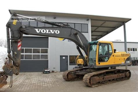 volvo ec  blc  caterpillar digger construction