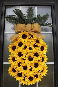 30 Stunning Summer Wreaths - Lydi Out Loud