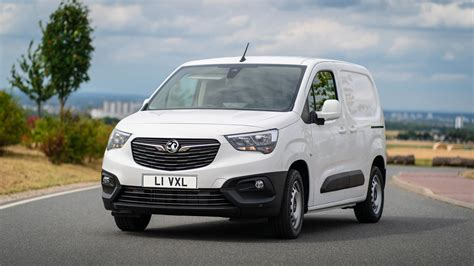 Vauxhall Combo Cargo Named Small Delivery Van At Business ...