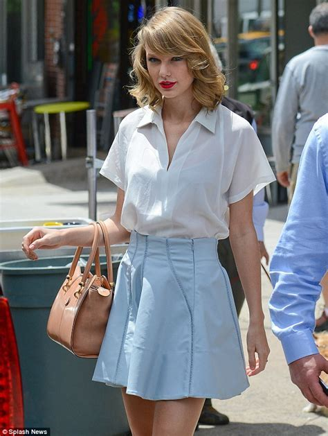 Taylor Swift leaves Soho gym in NYC looking classy in pale