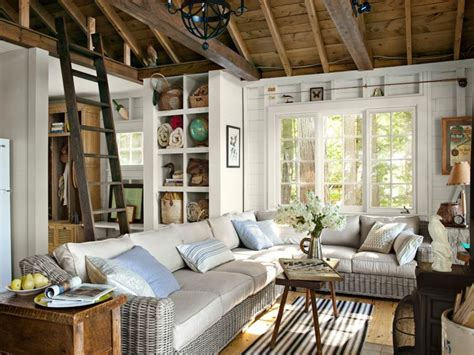 Small Living Room Lake House Lake House Living Room Decorating Ideas, Lake Cottage Design