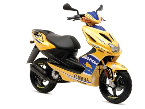2008 Yamaha Aerox R Race Replica Scooter Pictures