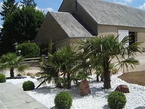 85 best images about parterre avec cailloux on pinterest With decoration jardin avec galets 17 travertin dimapco