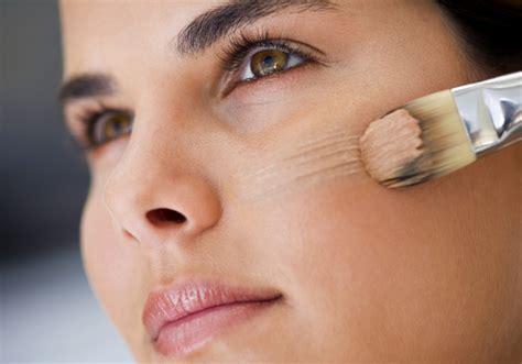 Kesalahan Makeup Yang Bisa Menyebabkan Jerawat
