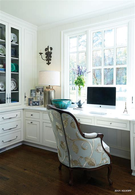 Glam Work Spaces That Will Make You Want To Get Your Work