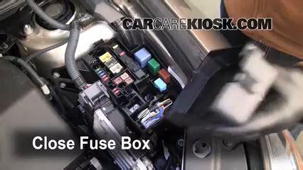 2006 Rav4 Fuse Box by Replace A Fuse 2006 2012 Toyota Rav4 2007 Toyota Rav4 2