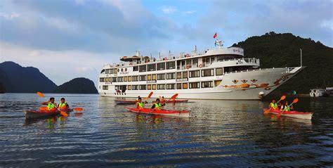 Bay Lounge Boat Cruise by Starlight Cruise Halongcruises