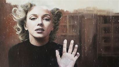 Monroe Marilyn Wearing Hand Glass Celebrities 1080