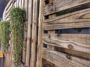 Sichtschutz Mit Paletten : sichtschutz aus paletten so bauen sie ihn selbst ~ Eleganceandgraceweddings.com Haus und Dekorationen