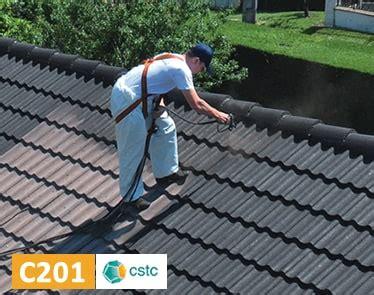 hydrofuge colore pour la renovation des toitures en tuiles