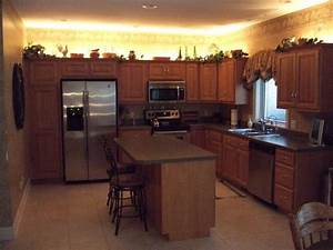 Over cabinet lighting ideas for Over cabinet lighting ideas
