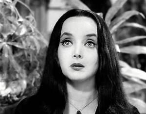 Los locos Addams imágenes Morticia Addams fondo de ...