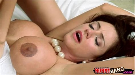 Stepmom Ariella Ferrera Horny Threesome In The Bedroom
