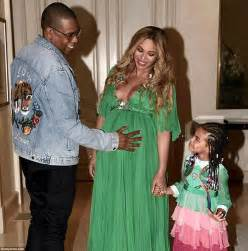 Baby Shower Maxi Dresses by Beyonce S 400 000 A Month Baby Love Nest In Malibu