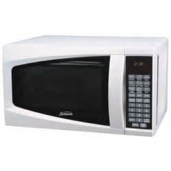 wood kitchen island cart sunbeam sm0701a7e 7 cubic foot microwave oven white