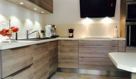 cuisine bois contemporaine exceptionnel cuisine moderne avec ilot central 11