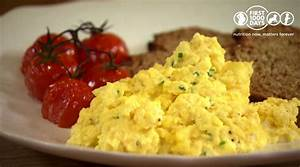 Baby- Scrambled eggs with cheese and tomato - First 1000 Days