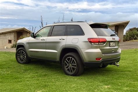 Jeep Grand Limited Reviews by Jeep Grand Limited 2017 Review Snapshot Carsguide