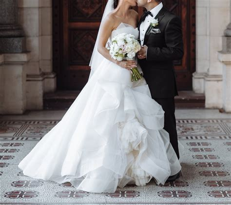 Vera Wang Katherine Preowned Wedding Dress On Sale 54 Off