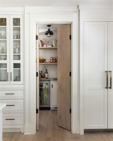 pictures of kitchen pantry cabinets best 25 painted pantry doors ideas on 7469