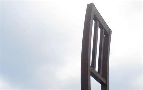 chaise cassée carnet d 39 andrée poulin chaise cassée