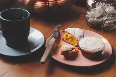 easy peasy lemon squeezy nana lynne mini cakes lunch lady