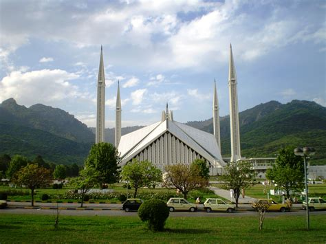 Faisal Mosque Hd Images by 11 Reasons Why Islamabad Is One Of The Most Beautiful