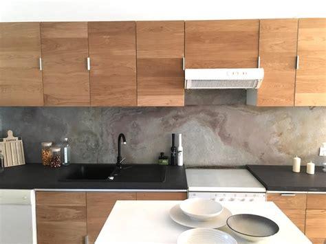 cr馥r un de cuisine crédence pour habiller de façon moderne les murs de la cuisine