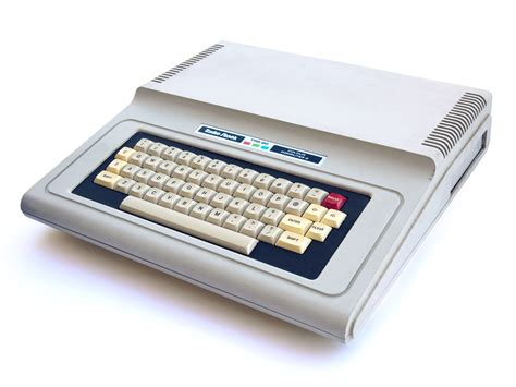 trs 80 color computer file trs 80 color computer 2 pal 4x3 jpg wikimedia commons