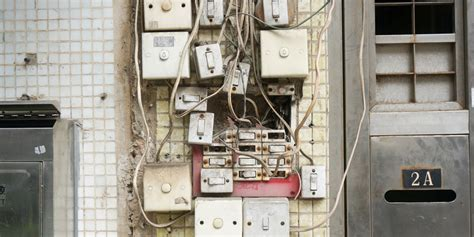 landlord  fix  bad electrical system