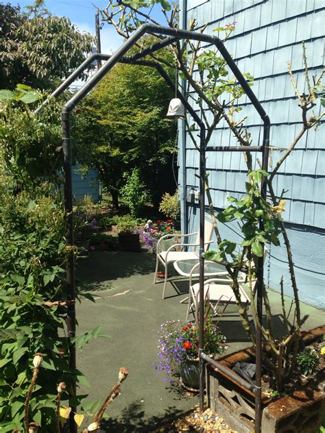 Garden Trellis by Plant Arbor From 1 Quot Copper Pipe Plumbing In Disguise
