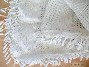 Dessus De Lit Blanc : linge ancien belle courte pointe ou dessus de lit aux aiguilles en coton tr s fin blanc ~ Teatrodelosmanantiales.com Idées de Décoration