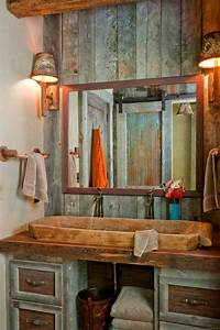 une armoire de salle de bain avec miroir pour le style de With miroir salle de bain style ancien