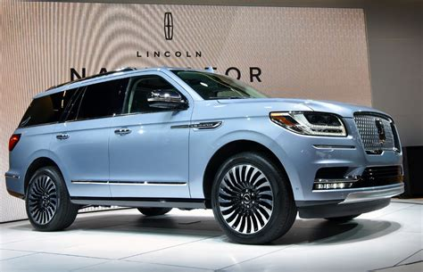 2018 lincoln navigator new york show   The Fast Lane Truck